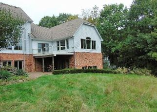 Foreclosed Home in JENDEAN LN, Rochester, MI - 48306