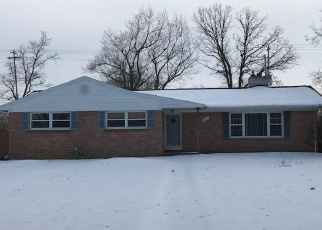 Foreclosed Home en S CAMBRIDGE RD, Lansing, MI - 48911