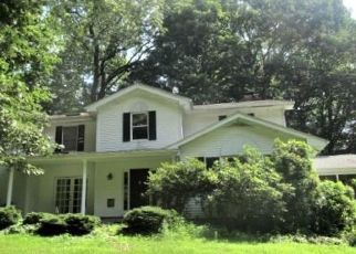 Foreclosed Home in BRIDLE PATH LN, New Canaan, CT - 06840