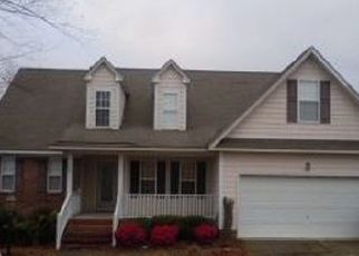 Foreclosed Home in MIRANDA DR, Hope Mills, NC - 28348