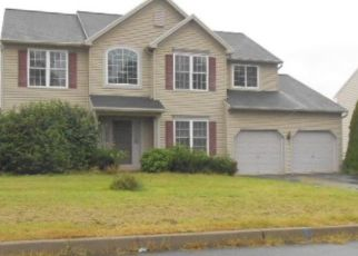 Foreclosed Home en MILL STREAM DR, Morgantown, PA - 19543