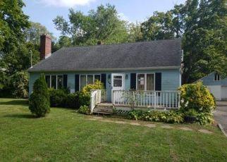 Foreclosed Home en SMITH RD, Ronkonkoma, NY - 11779