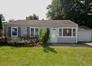 Casa en ejecución hipotecaria in Wallingford, CT, 06492,  APPLE ST ID: F4295708
