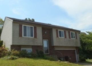 Foreclosed Home in GREEN HILL DR, Ft Mitchell, KY - 41017