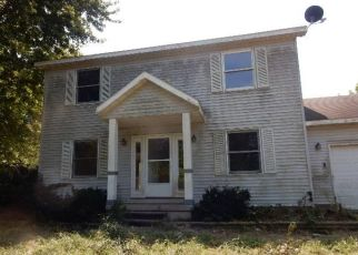 Foreclosed Home in HOPPLER RD, Greenview, IL - 62642