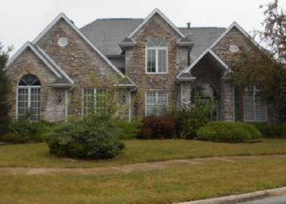 Foreclosed Home en COLUMBINE LN, Matteson, IL - 60443