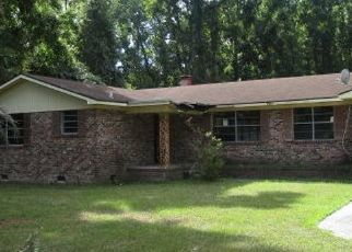 Foreclosed Home en LITTLE CAPERS RD, Ladys Island, SC - 29907