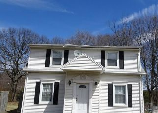Foreclosed Home en SHEPARD AVE, Hamden, CT - 06514