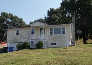 Foreclosed Home en ARROWHEAD DR, Ledyard, CT - 06339