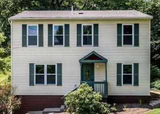 Foreclosed Home en OAK HILL RD, Gibsonia, PA - 15044