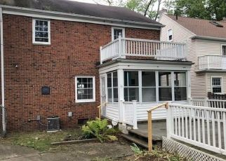 Foreclosed Home en GRIDLEY RD, Beachwood, OH - 44122