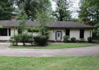 Foreclosed Home en CHAGRIN BLVD, Chagrin Falls, OH - 44022