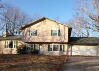 Foreclosed Home en WESTWIND DR, Waynesville, MO - 65583