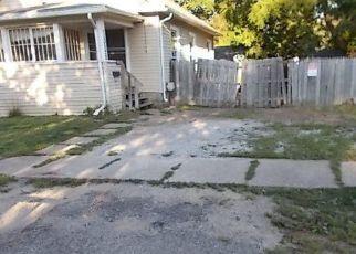 Foreclosed Home en GLENROSE AVE, Lansing, MI - 48915