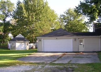 Foreclosed Home in N DIAMOND ST, Jacksonville, IL - 62650