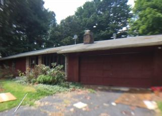 Foreclosed Home en MERRIMAN RD, Windsor, CT - 06095
