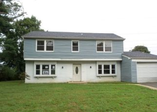 Foreclosed Home in MESSENGER LN, Willingboro, NJ - 08046