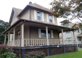 Foreclosed Home in WEST AVE, Sewaren, NJ - 07077
