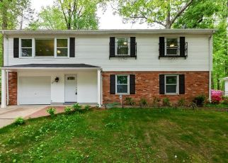 Foreclosed Home en RIVINGTON RD, Springfield, VA - 22152