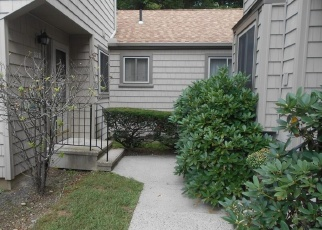 Foreclosed Home en HAPPY HOLLOW CIR, Stratford, CT - 06614