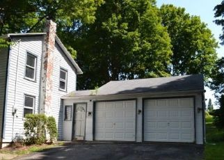 Foreclosed Home en LITCHFIELD RD, Watertown, CT - 06795