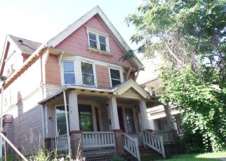 Foreclosed Home en W MCKINLEY BLVD, Milwaukee, WI - 53208