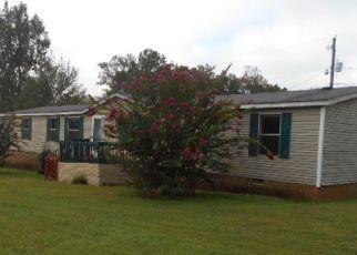 Foreclosed Home en CABIN HILL DR, Ridgeway, VA - 24148