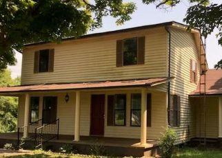 Foreclosed Home in DORAN RD, Sparta, TN - 38583