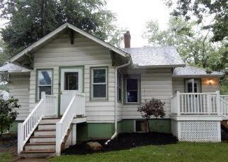 Foreclosed Home en N 4TH ST, Rittman, OH - 44270