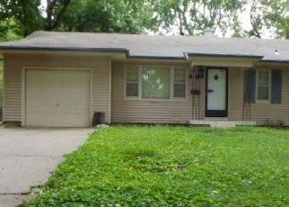Foreclosed Home en E 113TH TER, Kansas City, MO - 64137