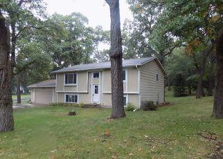Casa en ejecución hipotecaria in Cambridge, MN, 55008,  LAUREL ST S ID: F4296646