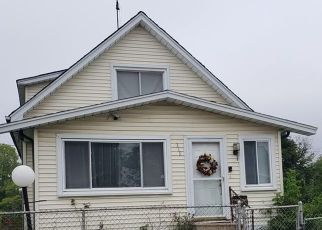 Foreclosed Home en RAEBURN ST, Pontiac, MI - 48341
