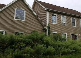 Foreclosed Home en MACHINE SHOP HILL RD, South Windham, CT - 06266