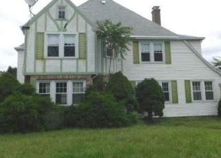 Foreclosed Home in WOLCOTT HILL RD, Wethersfield, CT - 06109
