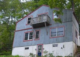 Foreclosed Home in EDGELAKE DR, Sandy Hook, CT - 06482