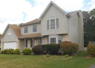 Foreclosed Home en ROBIN LN, Homewood, IL - 60430