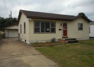 Foreclosed Home in MORO AVE, Granite City, IL - 62040