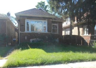 Foreclosed Home en S BENNETT AVE, Chicago, IL - 60617