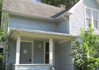Foreclosed Home in HOVEY AVE, Rockford, IL - 61103