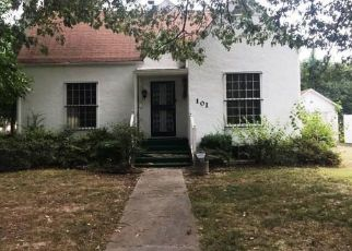 Foreclosed Home en MAPLEWOOD DR, Sikeston, MO - 63801