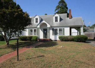 Foreclosed Home in TUSCARORA AVE, Elizabeth City, NC - 27909