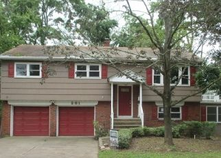 Foreclosed Home in MAPLE AVE, Somerset, NJ - 08873