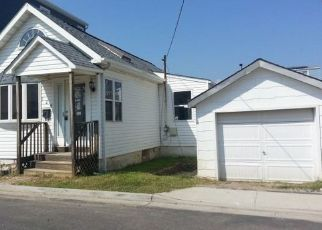 Foreclosed Home en BEACH AVE, Bellmore, NY - 11710