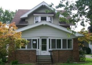 Foreclosed Home en EAGLE POINT RD, Rossford, OH - 43460