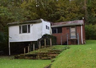 Foreclosed Home en OLD COAL HOLLOW RD, Verona, PA - 15147