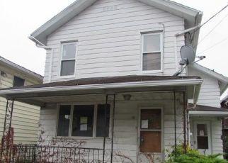 Foreclosed Home en HILLSIDE AVE, Kingston, PA - 18704