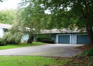 Foreclosed Home en CHERRY HILL RD, Norwich, CT - 06360