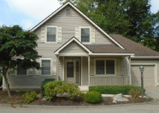 Foreclosed Home en WINDFALL LN, Niantic, CT - 06357