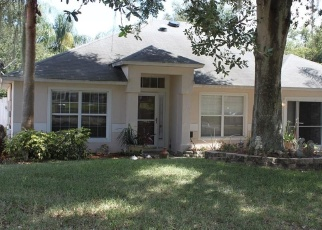 Foreclosed Home in LAKE POINTE CIR, Leesburg, FL - 34748