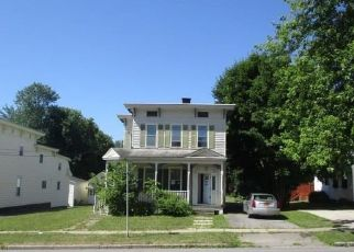 Foreclosed Home en W STATE ST, Johnstown, NY - 12095